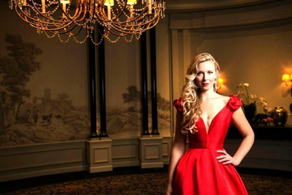 DUBAI CALENDAR PRESENTS 'A NIGHT AT THE OPERA WITH BETTINA' Watch Dubai-based Opera Singer Bettina Schweiger's Live Online Concert this Friday for Free